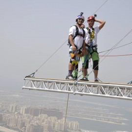 06-Dream-Walker-skydive-dubai-rope-jump-02