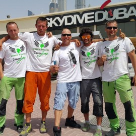 06-Dream-Walker-skydive-dubai-rope-jump-04